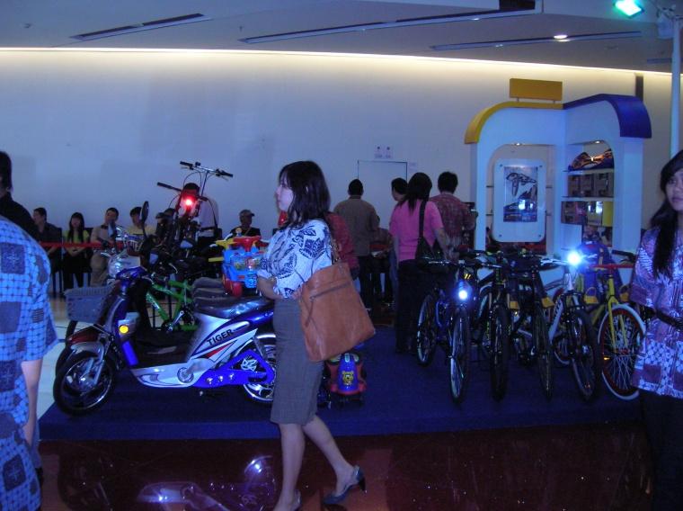 pameran sepeda GRANDCITY surabaya